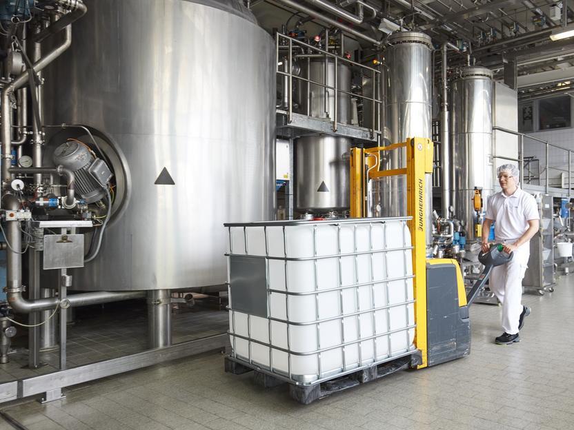 Beiersdorf, Avrupa'daki tesislerinde ekstra 500 ton dezenfektan üretecek hatları devreye aldı