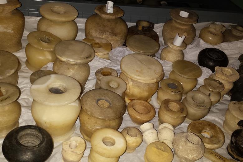 Eski Mısırlı Kimyagerler 3500 Yıl Önce Kozmetik Ürünler Yapıyorlardı