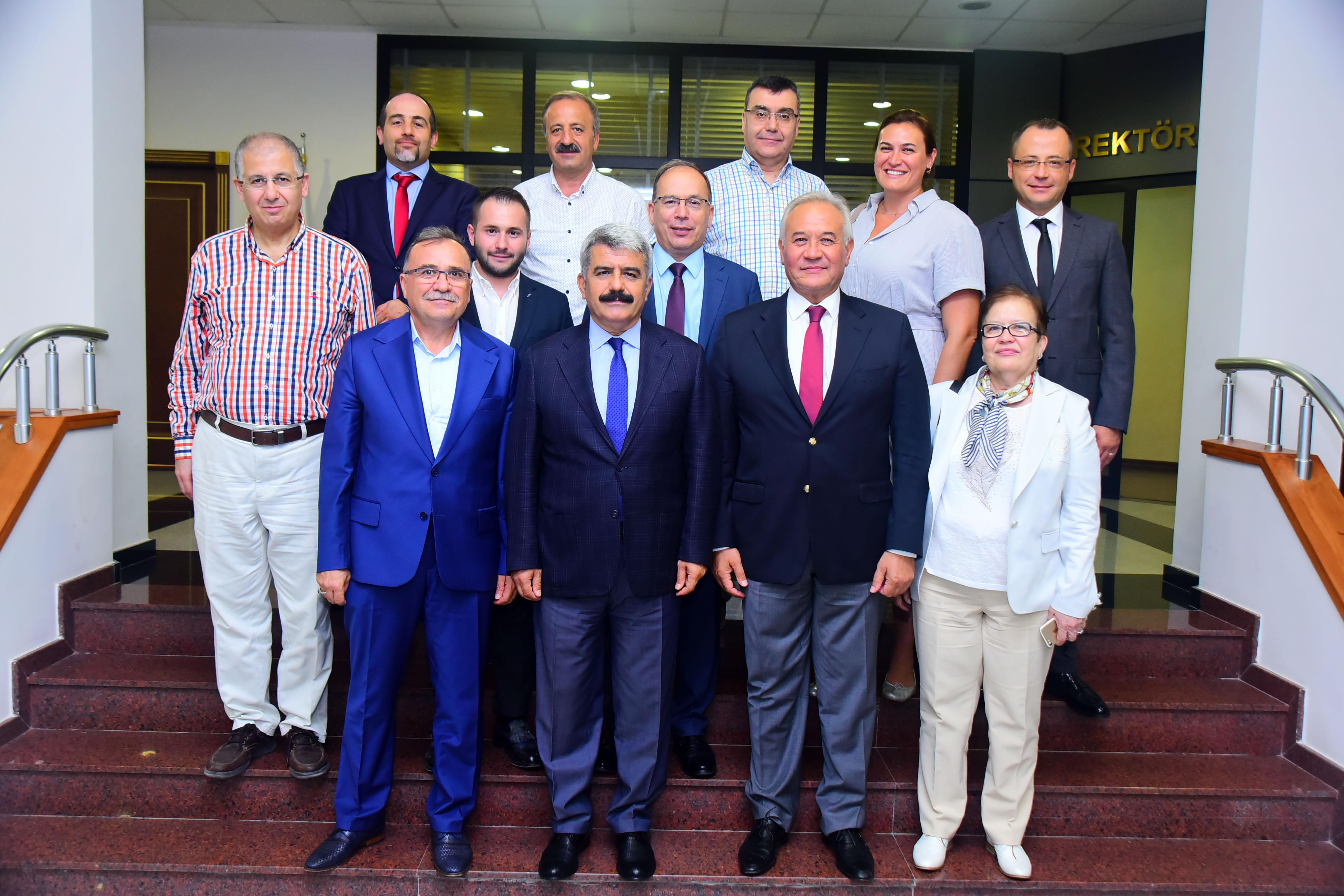 GEBKİM Eğitim, Araştırma ve Sağlık Vakfı ile Kocaeli Üniversitesi sağlık alanında önemli bir protokole imza attı.