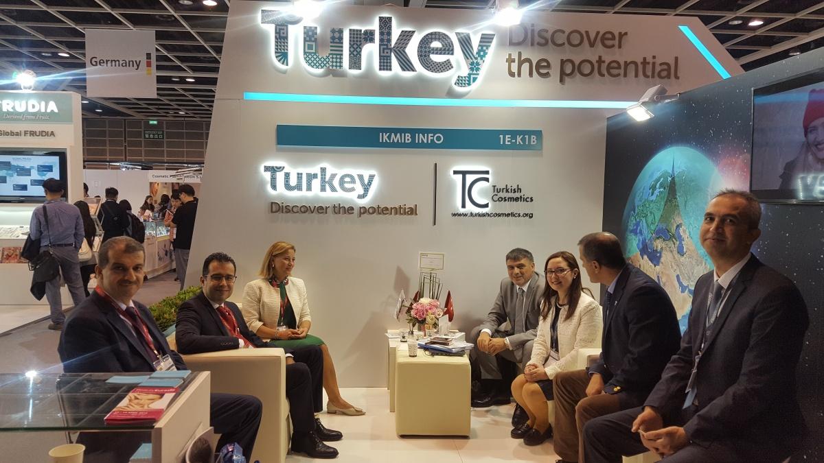 İKMİB, 7. Milli Katılım Organizasyonuyla Uzakdoğu'nun En Büyük Kozmetik Buluşması Cosmoprof ve Cosmopack Asia 2017 fuarına katıldı