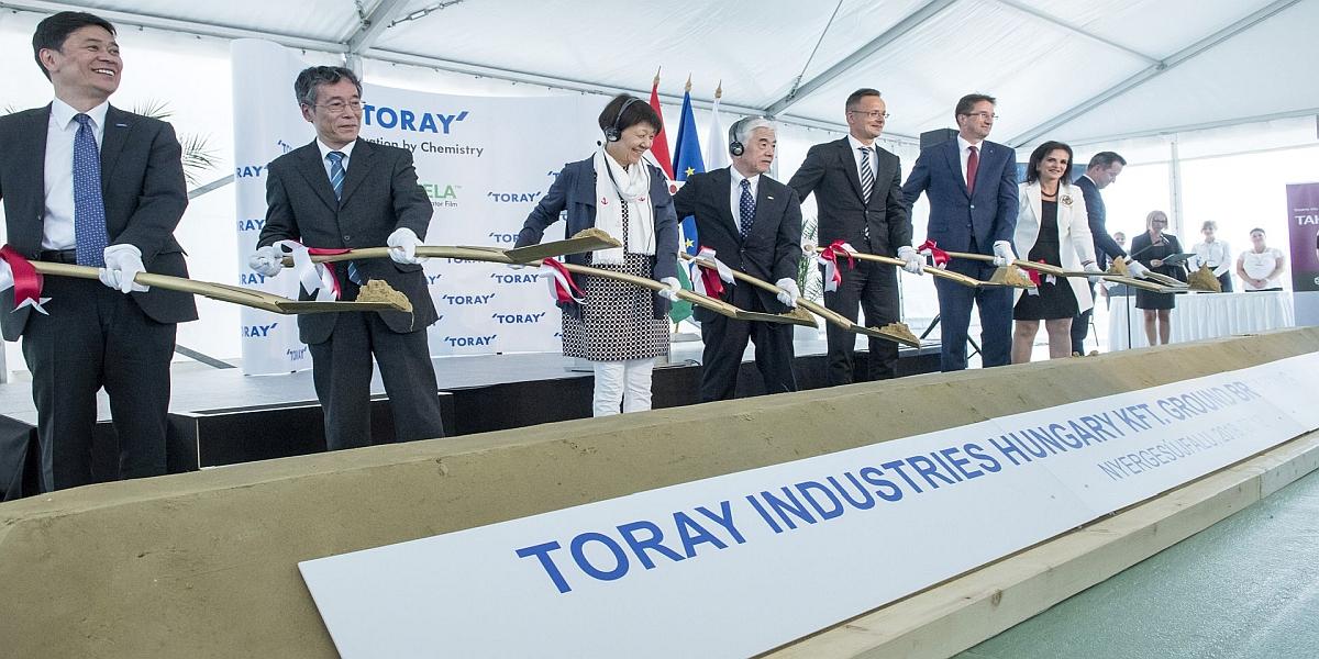 """Toray, Macaristan'da Lityum- İyon Piller İçin """"Ayırıcı Film"""" Tesisi Kuracak"""