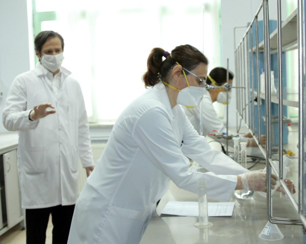 Trakya Üniversitesi Kimya Bölümü Tüm Edirne'nin Dezenfektan İhtiyacını Karşılıyor