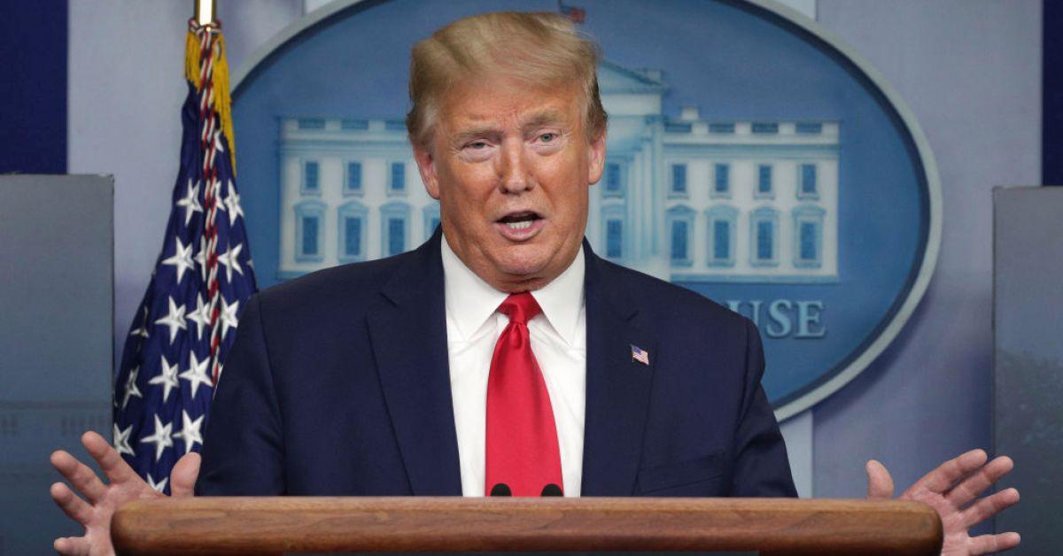 Trump, koronavirüs hastalarına dezenfektan enjekte edilebileceğini önerdi, dünya ayağa kalktı